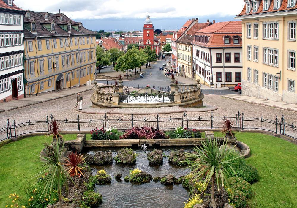 Innenstadt mit Blick aufs Rathaus Gotha